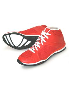Bloch Traverse Mid Dance Sneakers S0923 From £54.95. Bloch's first fitness trainer