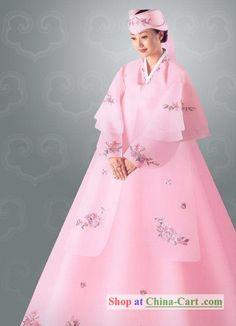 For more wedding INFO contact www.piperstudios.com (905) 265-1555Traditional Korean Wedding Hanbok Set for Bride #혼례식 #전통혼례 #