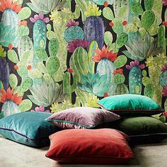 Coleção de tecidos Tristan Catus e Flores de James Malone para a sua casa. Encontra-a na QuartoSala em Lisboa! #tecidos #fabrics #casa #decoração #linhos #projetos #interiores #jamesmalone #cortinas #almofadas #lojas #quartosala