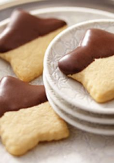 Peanut Butter Cut-Out Cookies – Peanut butter–cream cheese cookies are given the star treatment with a cookie cutter. Give 'em a dip in chocolate, and a dessert-table star is born.