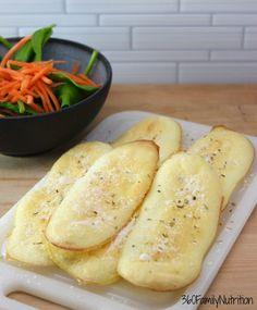 Garlic Cloud Breadsticks are a delicious low carbohydrate and grain-free breadstick option Casserole Recipes, Bread Recipes, Crockpot Recipes, Soup Recipes, Vegetarian Recipes, Chicken Recipes, Cooking Recipes, Recipes Dinner, Potato Recipes