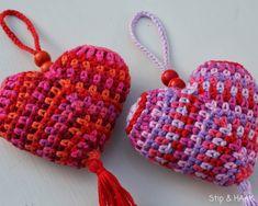 inspirace - crochet heart from ZoomYummy Love Crochet, Crochet Gifts, Crochet For Kids, Crochet Flowers, Crochet Toys, Knit Crochet, Crochet Hearts, Granny Square Crochet Pattern, Crochet Motif