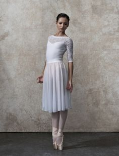 Rising star Francesca Hayward of the Royal Ballet by James McNaught. She is gorgeous. Ballet Images, Ballet Pictures, Dance Pictures, Ballet Poses, Ballet Dancers, Ballet Costumes, Dance Costumes, Francesca Hayward, Tutu