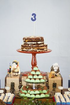 Festa Infantil. Up! Altas Aventuras. Party. Kids.Naked cake. Paper craft - by http://www.bacurifestas.com.br/ - parceria Florinda Festas