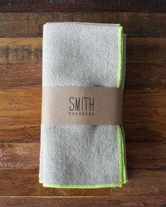 Set of 4 Linen napkins - NEON CHARTREUSE