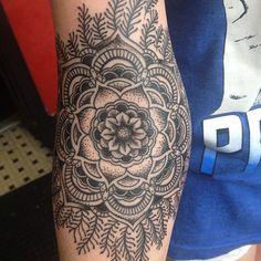 #mandala #flower #tattoo http://instagram.com/p/bj_ZDYR6WK/