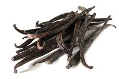 This listing is for one dozen Split Madagascar Vanilla Beans. What are splits? Splits are beans that have split on the vine or during the curing Homemade Vanilla Extract, Vanilla Flavoring, Vanilla Frosting, Vanilla Ice Cream, Vanilla Pudding Recipes, Madagascar Vanilla Beans, Flavored Oils, Bourbon, Kitchen Pantry
