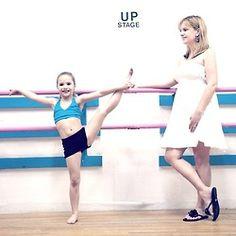 This is a cute picture of Mackenzie and Mellisa Dance Moms Mackenzie, Mackenzie Ziegler, Maddie Ziegler, Asia Ray, Mack Z, Dance 4, Dance Moms Girls, Love Ya, These Girls