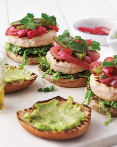 BBQ Turkey Burgers with avacado/ supper June 22 2013 . A thick layer of mashed avocado acts as a creamy spread for the burger buns and a good balance to the triple-whammy topping: lime-marinated red onion, pickled jalapenos, and cilantro. Mini Pizzas, Pastas Recipes, Dinner Recipes, Vodka Recipes, Lunch Recipes, Recipies, Quiches, Jalapeno Recipes, Avocado Recipes
