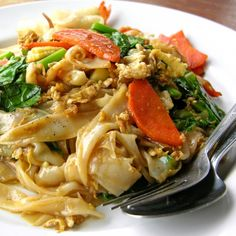 This recipe for Chicken Pad Thai is colorful, appealing and easy to make.. Chicken Pad Thai Recipe from Grandmothers Kitchen.