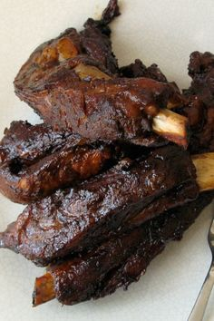 Gojee - Barbecue Spare Ribs with Ginger Ale by Sweet Fine Day Bbq Spare Ribs, Barbecue Ribs, Rib Recipes, Low Carb Recipes, Pork Bacon, Ginger Ale, Pork Dishes, Bon Appetit, Carne