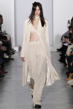 Yang Li Spring 2016 Ready-to-Wear Collection Photos - Vogue