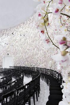 150.000 orquídeas brancas na apresentação da Christian Dior fall 2014 | tempodadelicadeza