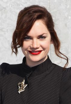 Ruth Wilson, best known as the villainous Alice Morgan on BBC's excellent Luther series. Ruth Wilson, Tv Awards, Ageless Beauty, Celebs, Celebrities, Celebrity Pictures, Beautiful Eyes, Wedding Engagement, People