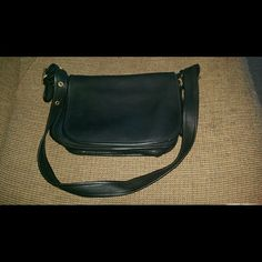 Coach leather bag Classic. Leather. Hardly used. Mint condition. Coach Bags