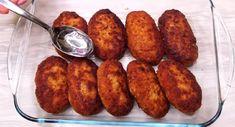 Chiftele gustoase de casă. O rețetă care demult și-a găsit locul în familia noastră. Chiftelele ies suculente și gustoase din orice tip de carne: de vită sau amestec de carne. INGREDIENTE: -500 gr de carne tocată; -1 ou; -2 felii de pâine; -200 ml de lapte; -1 ceapă; -2 căței de usturoi; -1/2 linguriță de sare; -piper negru – după gust; -pesmet; -ulei – pentru prăjit. MOD DE PREPARARE: 1.Tăiați pâinea bucăți, turnați laptele și lăsați se înmoaie bine. 2.Tăiați ceapa cuburi, apoi o prăjiț... Romanian Food, Sausage, Sausages, Chinese Sausage