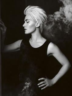 Kate Winslet (photographer: Mario Testino)