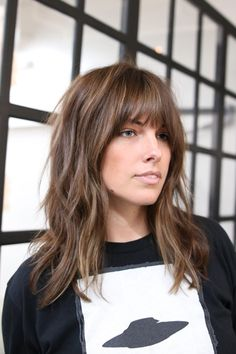 3 Hair Trends That Will Be Huge In L. This Year, Frisuren, What To Ask For: A long shag with face-framing fringe that tapers out at the ends. The shag is still. - Photo: Courtesy of. Bangs With Medium Hair, Long Hair Cuts, Medium Hair Styles, Short Hair Styles, Long Bangs, Mid Length Hair With Bangs, Mid Length Hair Fringe, Mid Length Hair Styles With Layers, Medium Textured Hair