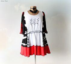 Plus Size Black White Tunic Clothing by BrokenGhostClothing