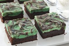 St. Patrick's Day desserts    Ingredients:    1 package (18 to 20 ounces) fudge brownie mix  1 teaspoon McCormick® Pure Vanilla Extract  1 package (8 ounces) cream cheese, softened  1/4 cup sugar  2 tablespoons flour  1/4 cup Irish cream liqueur  1 egg  1/4 teaspoon McCormick® Green Food Color