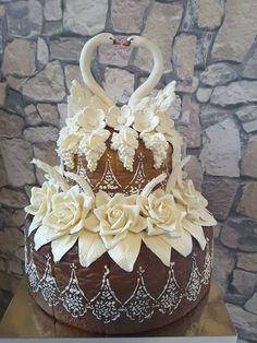 Unique Wedding Cakes, Wedding Cakes With Flowers, Artisan Food, Artisan Bread, Ukrainian Easter Bread Recipe, Festive Bread, Beautiful Pie Crusts, British Bake Off Recipes, Crudites