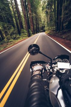 The best feeling in the world: skipping the highways and taking the fast twisty scenic route Bike Photoshoot, Motorcycle Photography, Motorcycle Art, Bike Life, Sport Bikes, Motorbikes, Adventure, Ashley Thompson, Small Victories