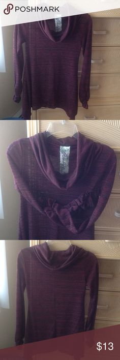 Code Vintage Light Jersey Cowl Neckline Top Super comfortable, long sleeved with gathering, light jersey 63% polyester, 33%rayon, 4% spandex , maroon and black, great with leggings or jeans. Very flattering😊 Code Vintage Tops