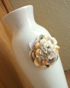 DIY Seashell flowers | Seashell Art Flower Vase Beach House Decor by tropEEcal on Etsy | DIY