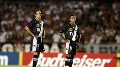 No ano 2000, a final da Copa do Mundo de Clubes foi disputada por dois clubes brasileiros dom duas grandes formações. A FIFA TV e o FIFA.com relembram a grande decisão entre Corinthians e Vasco da Gama
