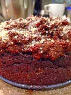 Patrícia is cooking.: Brownie de avelãs com cobertura de chocolate e avelã {vegan, integral, sem açúcar}