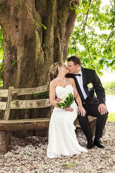 Unter der Kastanie - #Hochzeit von Emilie und Jens in #Schwerte #Fotograf #Hochzeitsfotograf #Hochzeitsfotografie #wedding #Braut #Bräutigam