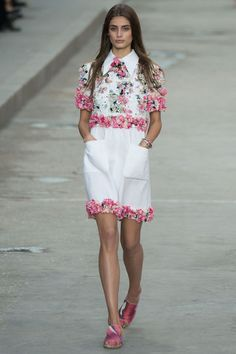 Chanel: white bloomy