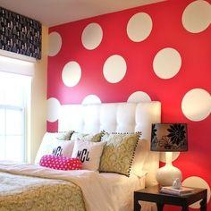 polka-dot-walls-inspiration-tween-bedroom - hmmmmm maybe I will add polka dots to the turquoise room. Polka Dot Room, Polka Dot Walls, Polka Dot Wall Decals, Polka Dots, Wall Stickers, Bedroom Stickers, My New Room, My Room, Deco Dyi