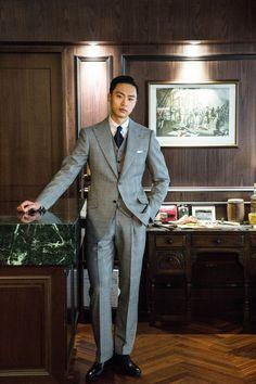 source: Vanni Bespoke Dress Suits For Men, Suits For Sale, Suit And Tie, Men Dress, Mens Fashion Suits, Mens Suits, Grey Suit Men, Mens Trends, Stylish Mens Outfits