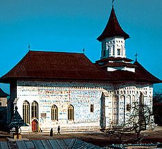 The Painted Monasteries of Moldavia (Moldavia, Romania) Montenegro, Place Of Princes, Places To Travel, Places To See, Bósnia E Herzegovina, Republica Moldova, Transylvania Romania, Kirchen, Eastern Europe