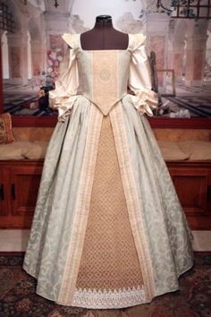 Renaissance-Elizabethan-Medieval-Court-Gown-Dress-Costume-SMALL-READY-TO-SHIP