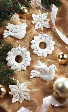 These are ornaments to match the White Christmas stocking shown. Each kit makes 6 ornaments, A beautiful addition to White Christmas Ornaments, Felt Christmas Decorations, Christmas Fun, Christmas Stocking, Fabric Ornaments, Ornaments Design, Felt Ornaments, Christmas Projects, Felt Crafts