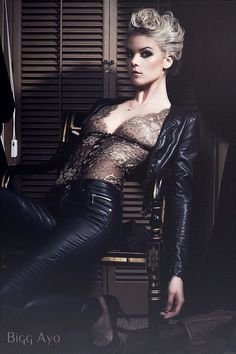 The ultimate bodysuit: Diva bodysuit by Sonata Lingerie. Superb detailing! Pair with high waist skinny jeans or leather knee high skirt.
