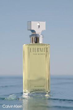 Dior Perfume, Perfume Scents, Perfume Store, Perfume Bottles, Skin And Hair Clinic, Designer Perfume, Bath And Body Works Perfume, Perfume Packaging, Beautiful Perfume