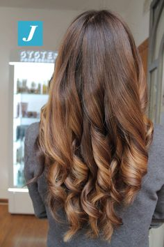 Sfumature inconfondibili _ Degradé Joelle #cdj #degradejoelle #tagliopuntearia #degradé #igers #musthave #hair #hairstyle #haircolour #longhair #ootd #hairfashion #madeinitaly #wellastudionyc