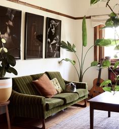 Lilli Waters and Jake Cole – The Design Files Living Room Designs, Living Room Decor, Living Spaces, Retro Living Rooms, Decor Room, Dining Room, The Design Files, Design Blog, Design Design