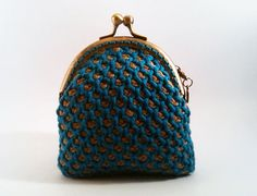 Crocheted coin purse  turquoise and brown por NiceOstrich en Etsy