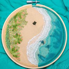 Bee Embroidery, Embroidery Works, Cross Stitch Embroidery, Embroidery Patterns, Machine Embroidery, Modern Embroidery, Thread Painting, Cross Stitching, Textile Art