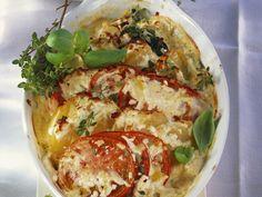 Auch in Aufläufen macht sich Spinat gut. Kartoffel-Tomaten-Gratin mit Spinat - smarter - Zeit: 20 Min. | eatsmarter.de