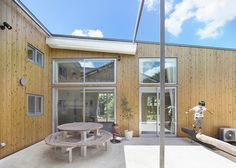 Moo-Flat Design adds an angular steel home to a dairy farm