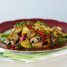 A delicious vegetarian recipe for Stirfried Mushrooms Ingredients 4 onions, cut into bite size chunks 2 tbsp. Fried Mushrooms, Stuffed Mushrooms, Stuffed Peppers, Healthy Family Meals, Healthy Snacks, Crispy Noodles, Vegetable Stock Cubes, Veg Dishes, Mushroom Recipes