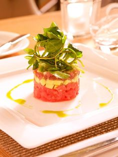 The experts at HGTV.com share a recipe for tuna tartare with a lemon vinaigrette.