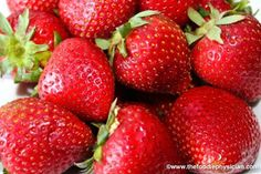 Keep Your Strawberries Fresh. Farmer Reveals His One Expert Tip To Avoid Spoilage - Healthy Life Box Strawberry Recipes, Fruit Recipes, Healthy Recipes, Healthy Foods, Salad Recipes, Cooking Tips, Cooking Recipes, Cooking Lamb, La Constipation
