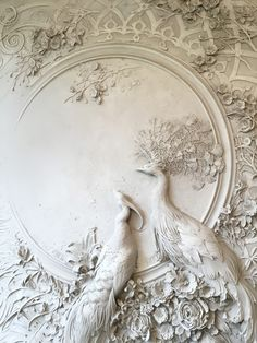 Interior Bas-Relief Sculptures of Peacocks and Lush Florals by Goga Tandashvili - Dr Wong - Emporium of Tings. Sculpture Painting, Mural Painting, Mural Art, Wall Sculptures, Wall Murals, Wall Art Decor, Decorative Plaster, Plaster Art, Colossal Art