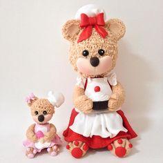 ursinhas Confeiteiras 10 e 22cm modeladas à mão por Le Biscuit Denise Marrach Whatsapp: 19-99763-9570 denisemarrach@hotmail.com